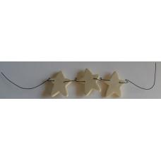 Trästjärnor på metalltråd