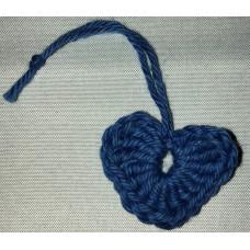 Virkat hjärta blå