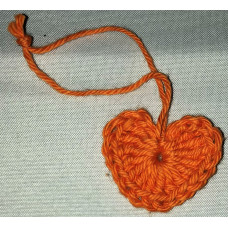 Virkat hjärta orange